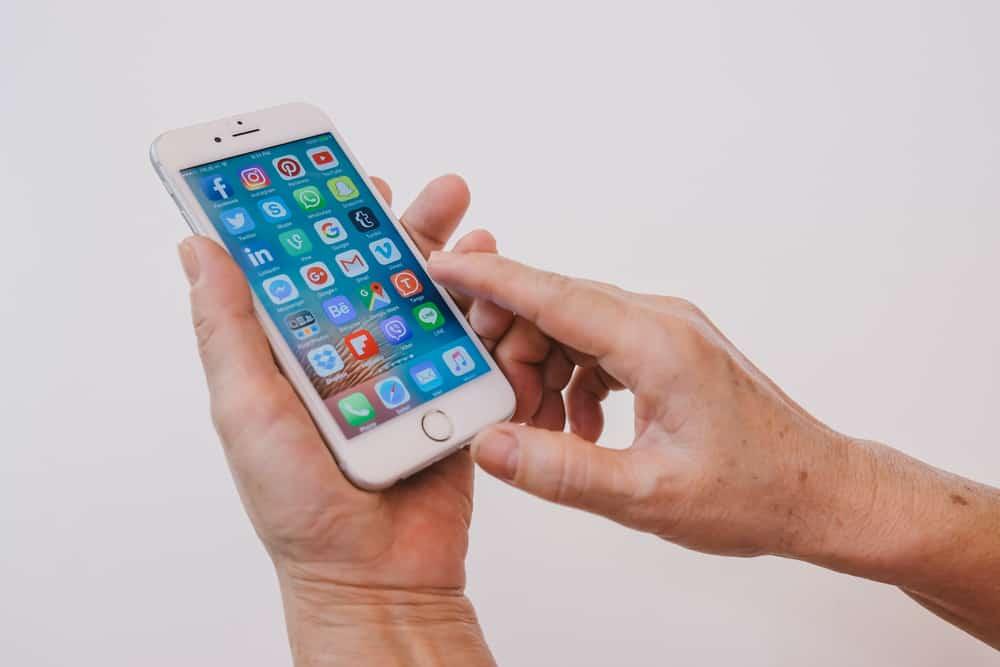 senior phone elderly apps