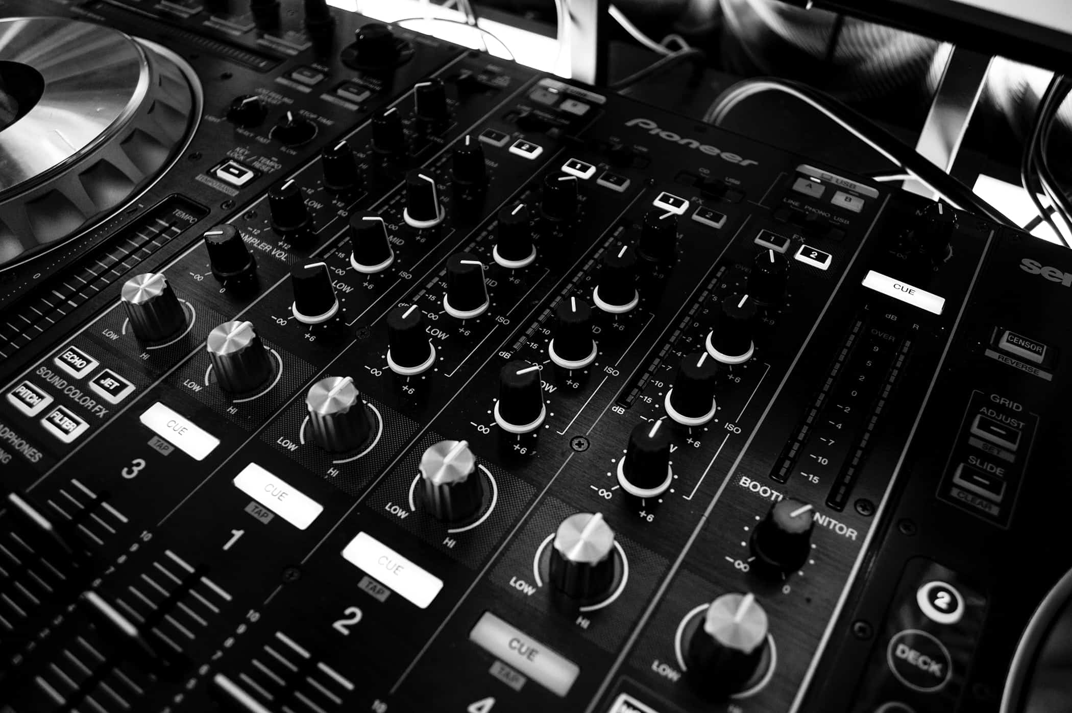 DJ Station black and white