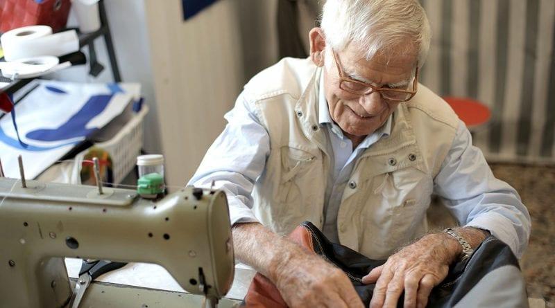 (credit Andrea Piacquadio) man sewing