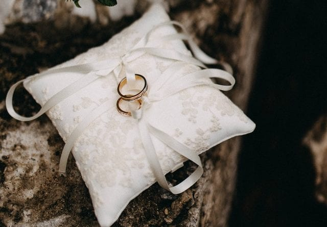 credit fidel hajj marriage rings on pillow